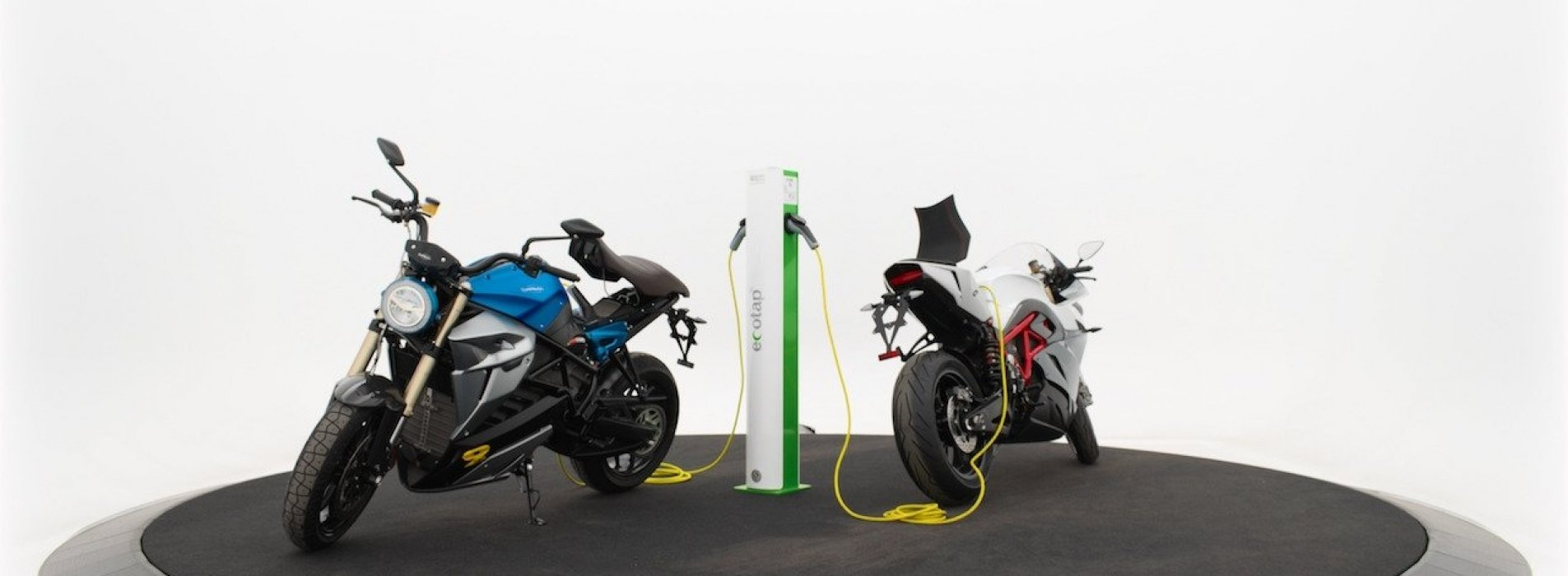 Elektrische Motor Opladen Tijdens De Motorbeurs Utrecht Electric